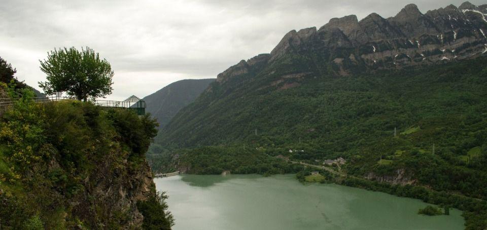 5 propuestas para disfrutar en navidad valle de tena for Mirador del pirineo